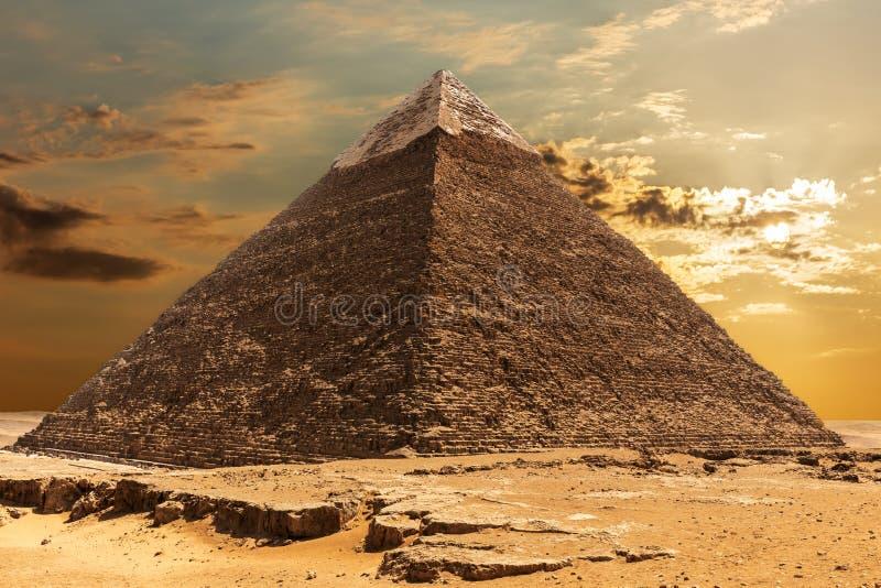 Η πυραμίδα Khafre στην ανατολή, Giza, Αίγυπτος στοκ φωτογραφίες με δικαίωμα ελεύθερης χρήσης