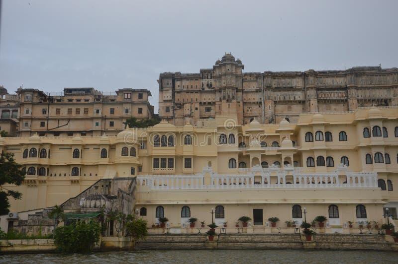 Η πόλη των λιμνών Udaipur Γνωστός για τις λίμνες, κτήρια κληρονομιάς, παλάτια, ξενοδοχεία, γάμος προορισμού, προορισμός μήνα του  στοκ φωτογραφία με δικαίωμα ελεύθερης χρήσης