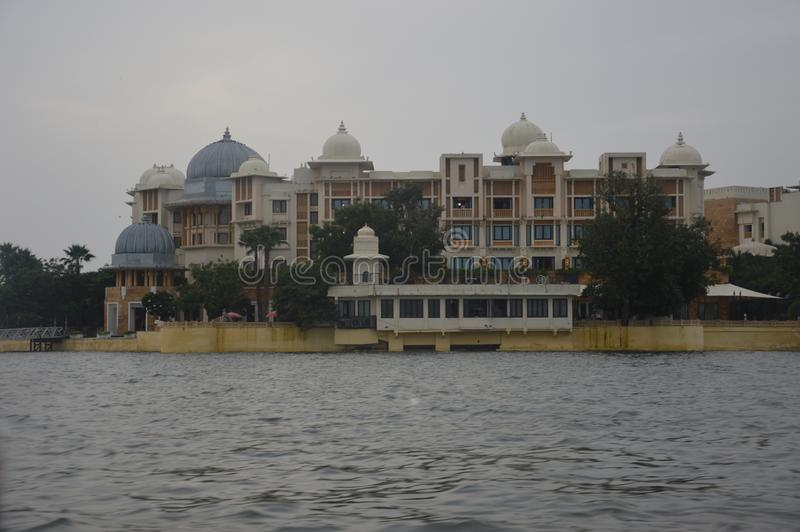 Η πόλη των λιμνών Udaipur Γνωστός για τις λίμνες, κτήρια κληρονομιάς, παλάτια, ξενοδοχεία, γάμος προορισμού, προορισμός μήνα του  στοκ φωτογραφίες
