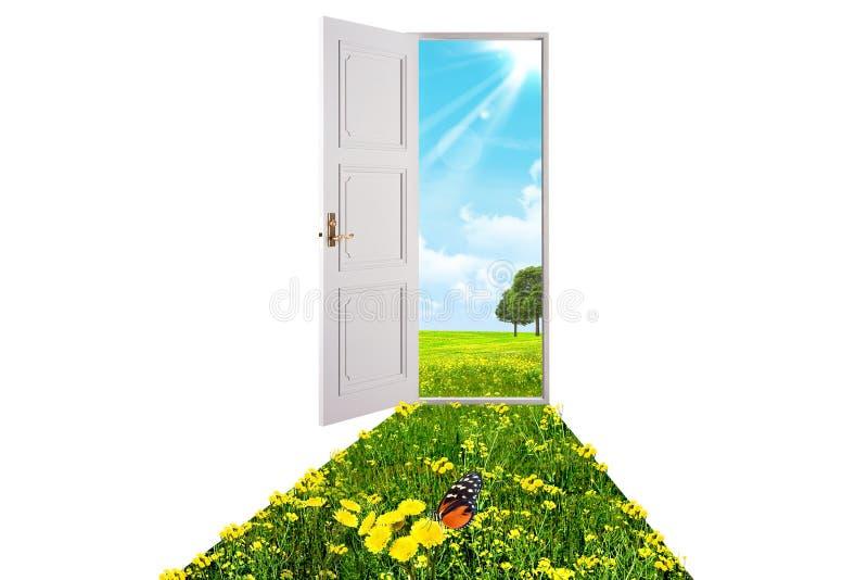 η πόρτα άνοιξε το λευκό στοκ φωτογραφία με δικαίωμα ελεύθερης χρήσης