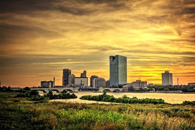 Η πόλη ανάβει τον ορίζοντα στοκ φωτογραφία με δικαίωμα ελεύθερης χρήσης