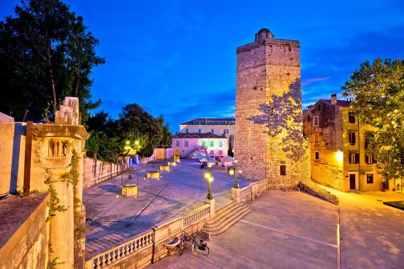 Η πόλη Zadar πέντε φρεάτια τακτοποιεί την άποψη βραδιού στοκ εικόνες