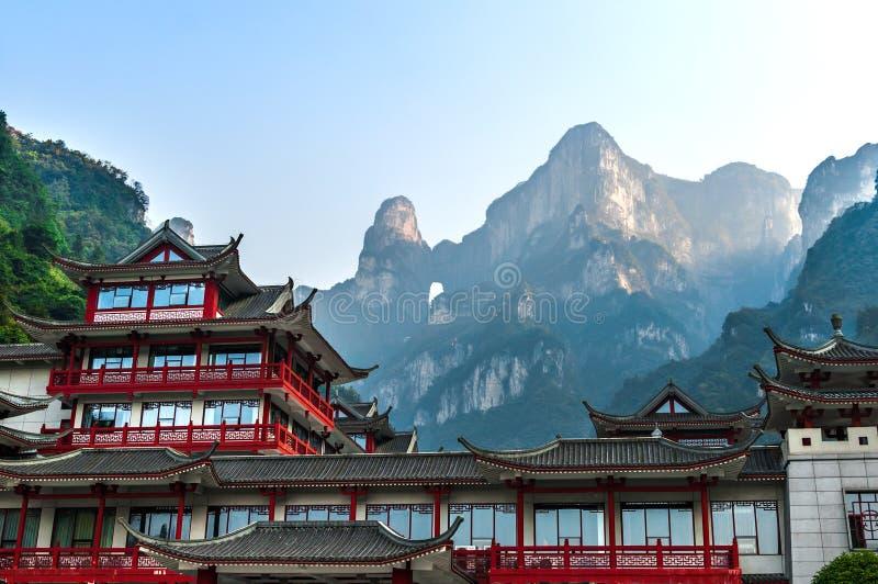 Η πύλη ουρανού Tianmen Shan στο βουνό Tianmen στοκ εικόνες