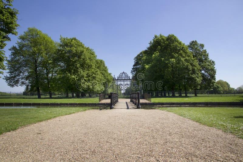 Η πύλη στο παλάτι του Hampton Court που χτίστηκε αρχικά για το βασικό Thomas Wolsey 1515, έγινε αργότερα στοκ εικόνα