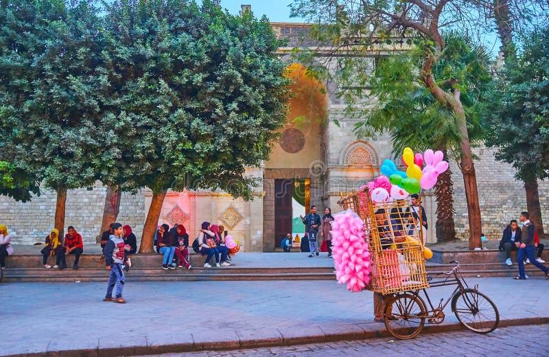 Η πύλη του μουσουλμανικού τεμένους Al Hakim, Κάιρο, Αίγυπτος στοκ εικόνες με δικαίωμα ελεύθερης χρήσης