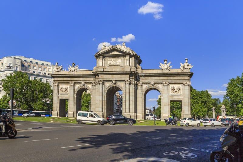 Η πύλη Alcala, Μαδρίτη στοκ φωτογραφία με δικαίωμα ελεύθερης χρήσης