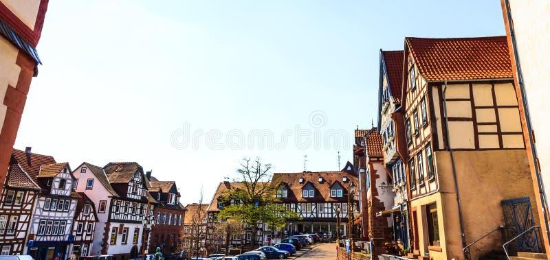 Η πλατεία Untermarkt σε ιστορικό μεσαιωνικό Gelnhausen, Γερμανία στοκ εικόνες