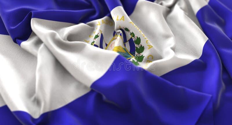 Η σημαία του Ελ Σαλβαδόρ αναστάτωσε τον υπέροχα κυματίζοντας μακρο πυροβολισμό κινηματογραφήσεων σε πρώτο πλάνο στοκ φωτογραφίες