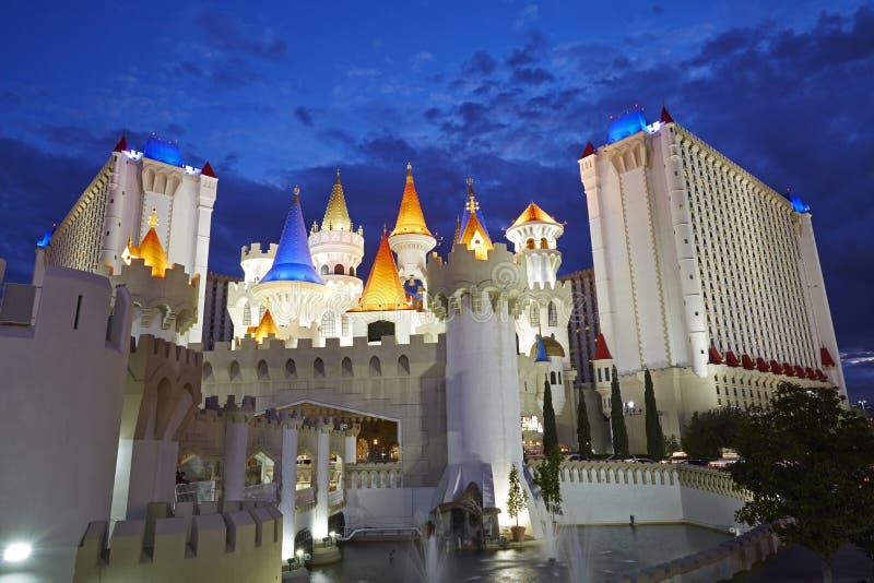 Η σκηνή νύχτας του ξενοδοχείου χαρτοπαικτικών λεσχών Excalibur στο Λας Βέγκας στοκ εικόνα