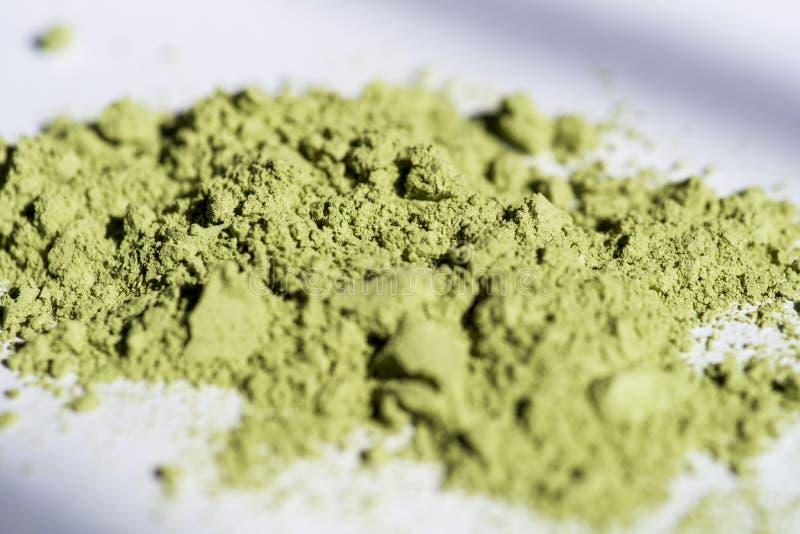 Η σκόνη του ιαπωνικού τσαγιού που λερώνεται στην ηλιοφάνεια είναι πολύ όμορφη πράσινη στοκ φωτογραφία με δικαίωμα ελεύθερης χρήσης