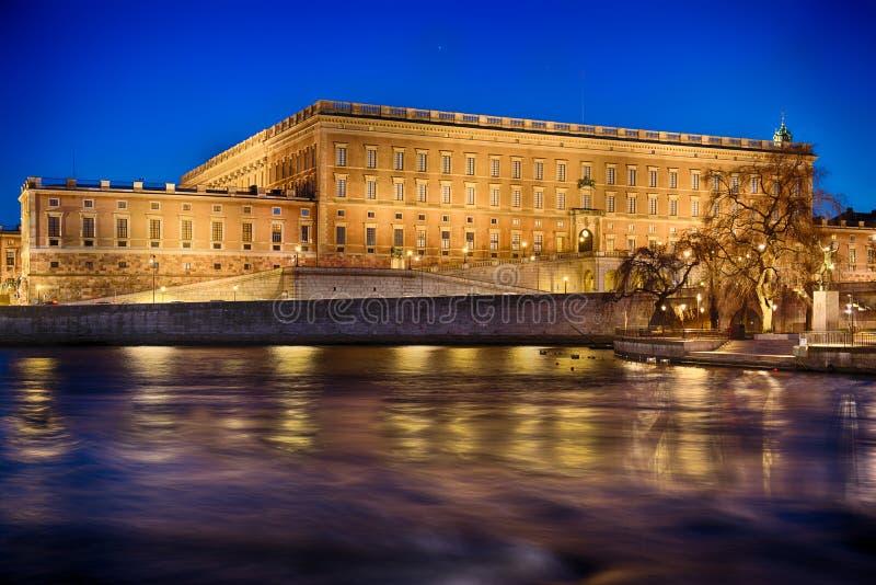 Η σουηδική Royal Palace στη Στοκχόλμη τή νύχτα στοκ εικόνες