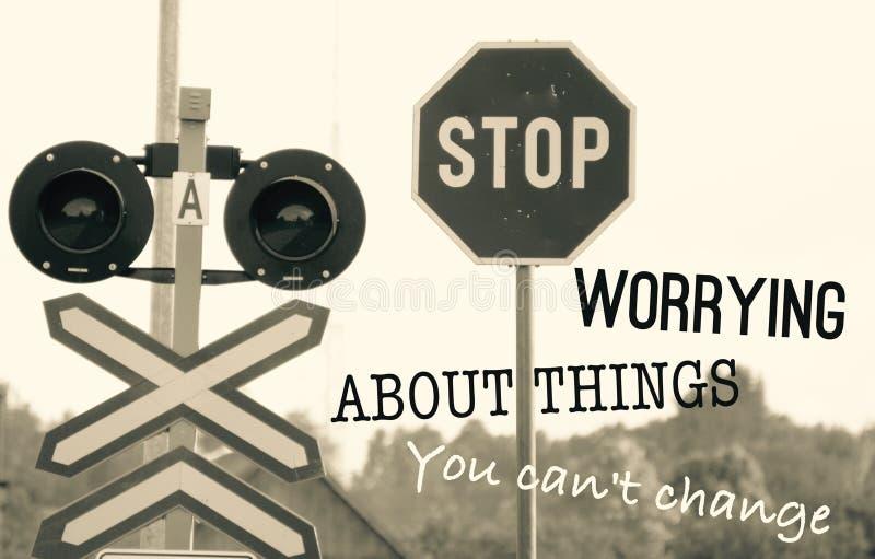 Η στάση που ανησυχεί για τα πράγματα εσείς δεν μπορεί να αλλάξει στοκ φωτογραφία με δικαίωμα ελεύθερης χρήσης