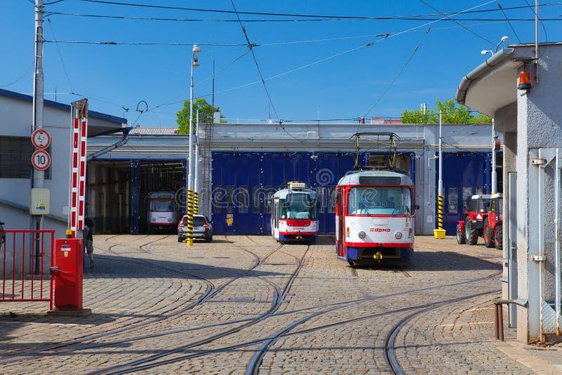 Η στάση τραμ στο ιστορικό κέντρο Olomouc, Δημοκρατία της Τσεχίας στοκ εικόνες με δικαίωμα ελεύθερης χρήσης