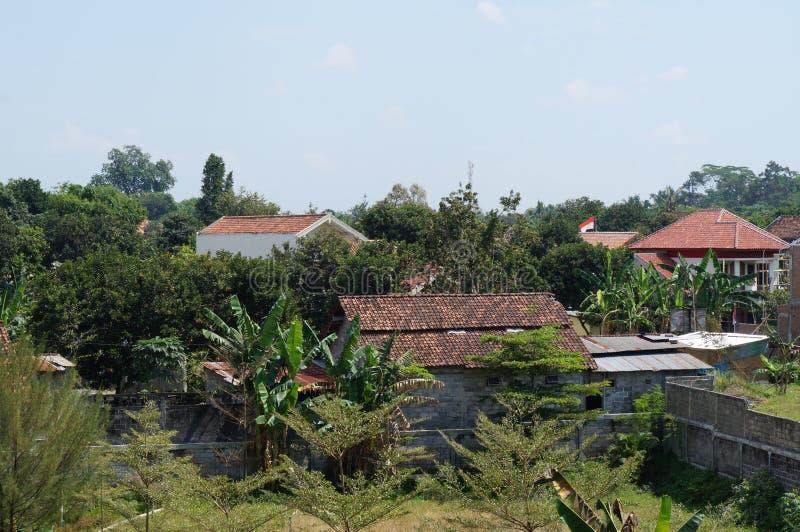 Η στέγη σπιτιών ξαναγεμίζει την άποψη στοκ εικόνες με δικαίωμα ελεύθερης χρήσης
