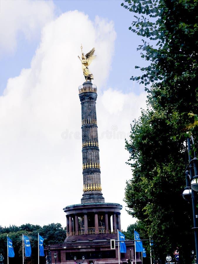 Η στήλη ή το Siegessäule νίκης είναι μια διάσημη θέα στο Βερολίνο στοκ εικόνα με δικαίωμα ελεύθερης χρήσης