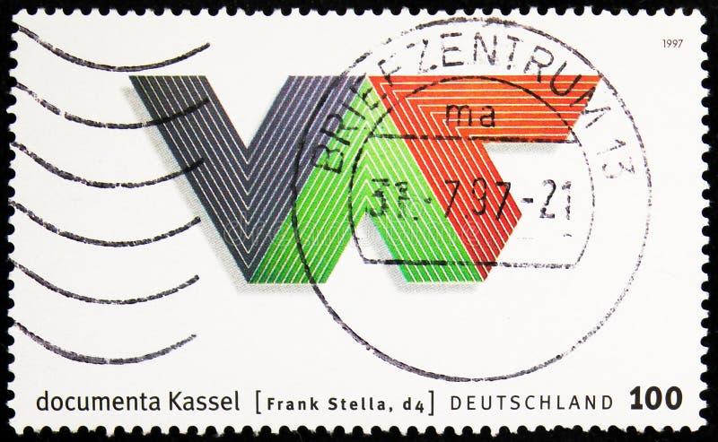Η σφραγίδα ταχυδρομείου που τυπώθηκε στη Γερμανία δείχνει Documenta - Kassel, 10η Έκθεση Σύγχρονης Τέχνης \'Documenta\', Kassel s στοκ εικόνες