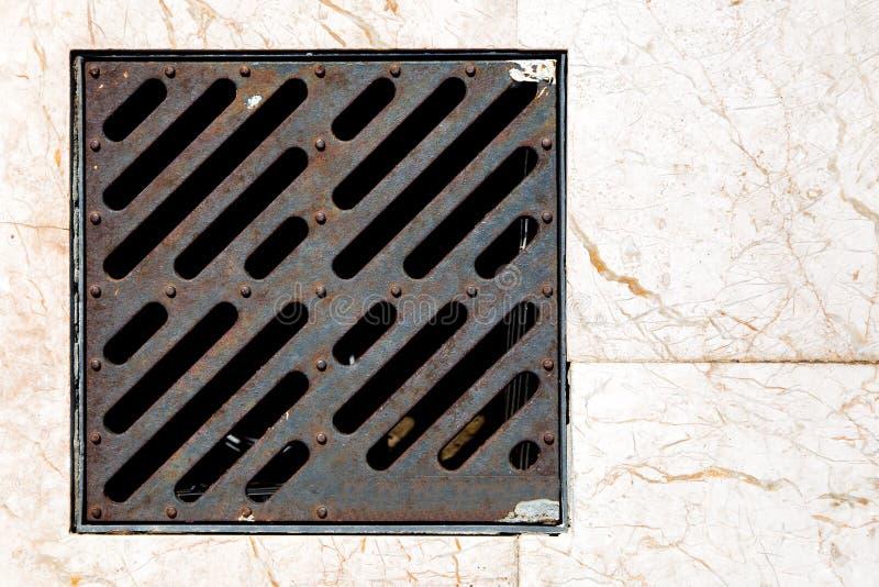 Η σχάρα σιδήρου ντους θύελλας στοκ φωτογραφία με δικαίωμα ελεύθερης χρήσης
