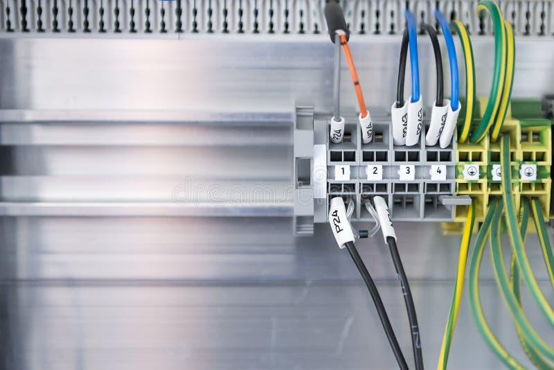 Η σύνδεση επιτροπής του ηλεκτρικού καλωδίου στοκ φωτογραφία με δικαίωμα ελεύθερης χρήσης