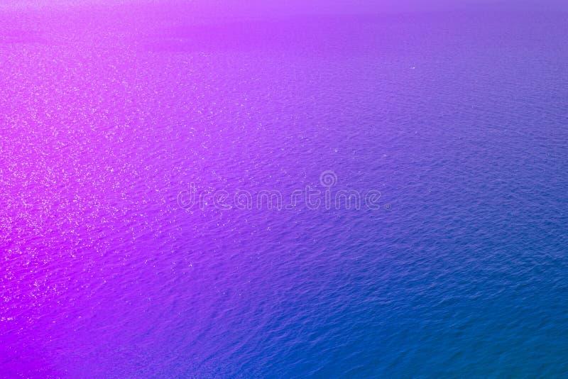 Η σύσταση της επιφάνειας θάλασσας του χρώματος νέου Τάση του έτους στοκ φωτογραφίες με δικαίωμα ελεύθερης χρήσης