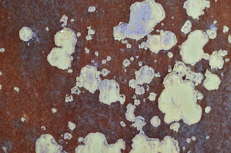 Η σύσταση του σκουριασμένου μετάλλου με την αποφλοίωση χρωμάτων μακριά στοκ φωτογραφία με δικαίωμα ελεύθερης χρήσης