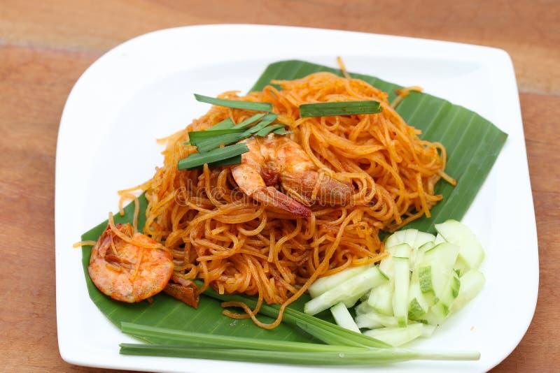 Η ταϊλανδική κουζίνα είναι τηγανισμένο ρυζιού μαξιλάρι Ταϊλανδός ονόματος κλήσης νουντλς ταϊλανδικό στοκ φωτογραφία