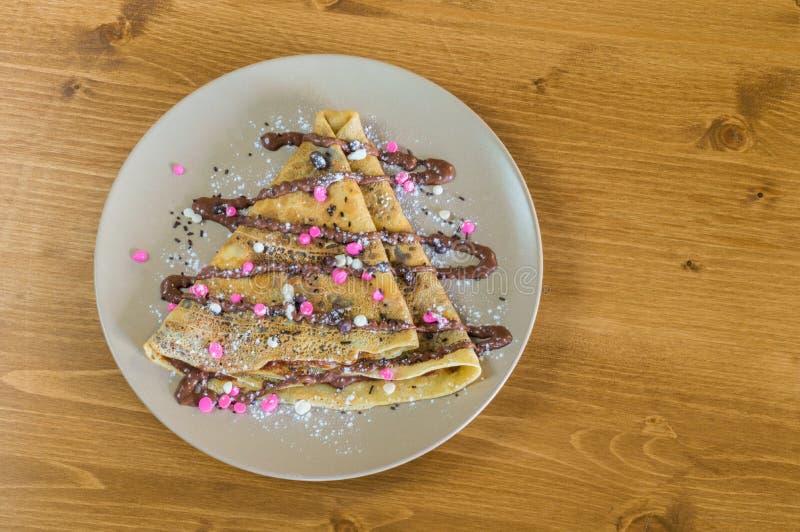 Η τοπ άποψη crepe με την κρέμα σοκολάτας και τα τσιπ σοκολάτας στοκ φωτογραφίες με δικαίωμα ελεύθερης χρήσης