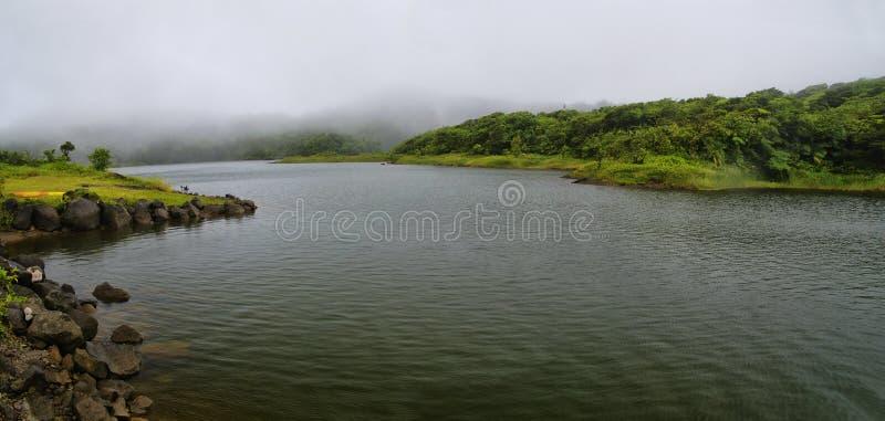 Η του γλυκού νερού λίμνη στοκ εικόνα με δικαίωμα ελεύθερης χρήσης