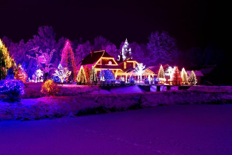 Η φαντασία Χριστουγέννων - πάρκο & κατοικεί στα φω'τα Χριστουγέννων στοκ εικόνες με δικαίωμα ελεύθερης χρήσης