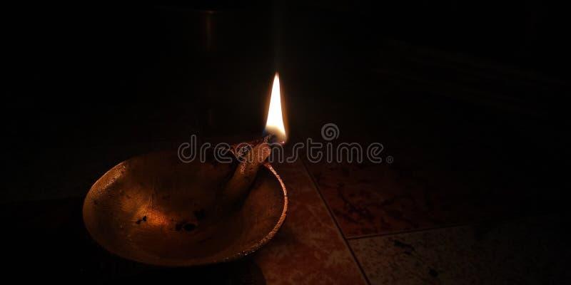 Η φλόγα καίγεται σιωπηλά στοκ εικόνες με δικαίωμα ελεύθερης χρήσης