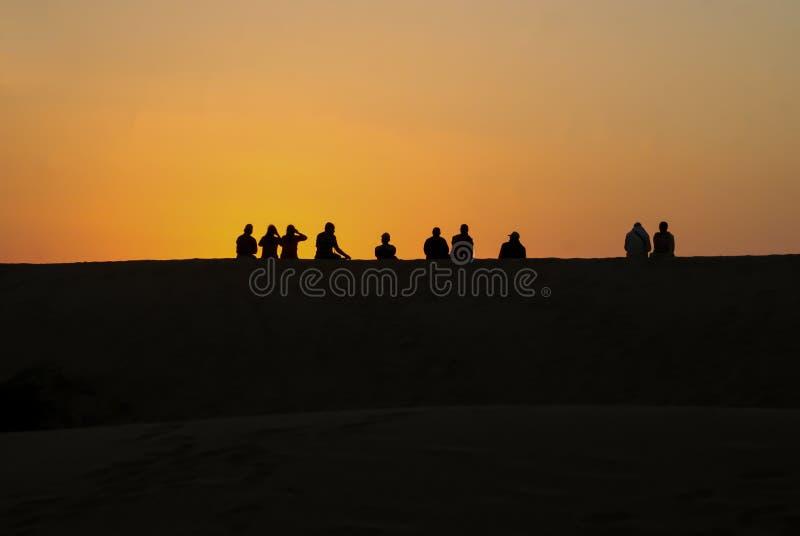 Η φυσική άποψη ηλιοβασιλέματος στους αμμόλοφους άμμου του Sam στοκ εικόνες
