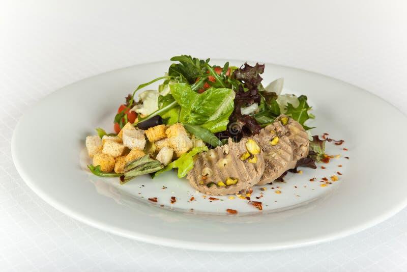 Η φυτική σαλάτα με το πατέ και croutons στοκ φωτογραφίες με δικαίωμα ελεύθερης χρήσης