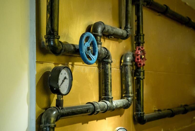 Η φωτογραφία των σωλήνων μετάλλων για την παροχή νερού στοκ φωτογραφία με δικαίωμα ελεύθερης χρήσης