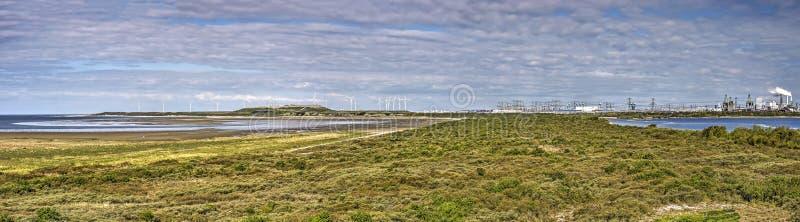 Η φύση συναντά το λιμάνι σε Oostvoorne στοκ φωτογραφίες με δικαίωμα ελεύθερης χρήσης