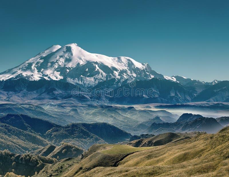 η φύση της Ρωσίας, τοποθετεί Elbrus στοκ εικόνα με δικαίωμα ελεύθερης χρήσης