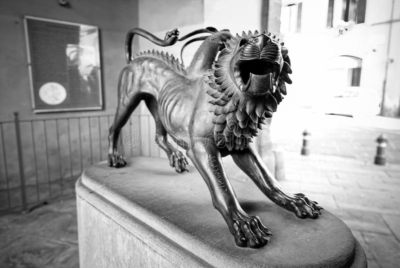 Η χίμαιρα, ένα μυθολογικό σύμβολο του Αρέζο Τοσκάνη, ο Μαύρος & W στοκ εικόνες με δικαίωμα ελεύθερης χρήσης