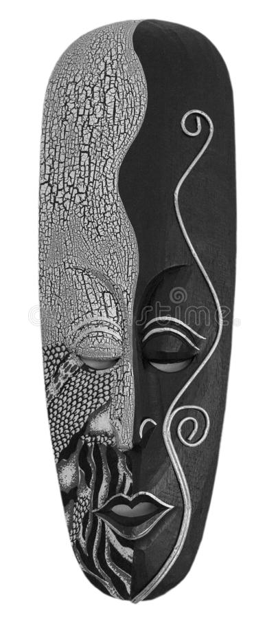 Η χαρασμένη αφρικανική ξύλινη μάσκα στο άσπρο υπόβαθρο στοκ φωτογραφία με δικαίωμα ελεύθερης χρήσης