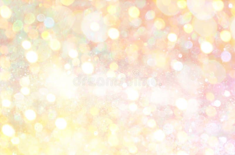 Η χρυσή πυράκτωση ακτινοβολεί υπόβαθρο Κομψό αφηρημένο υπόβαθρο με το bokeh στοκ φωτογραφία με δικαίωμα ελεύθερης χρήσης