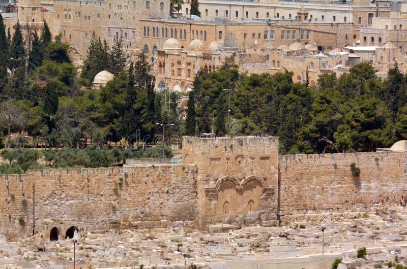 Η χρυσή πύλη στους παλαιούς τοίχους πόλεων της Ιερουσαλήμ - Ισραήλ στοκ φωτογραφίες