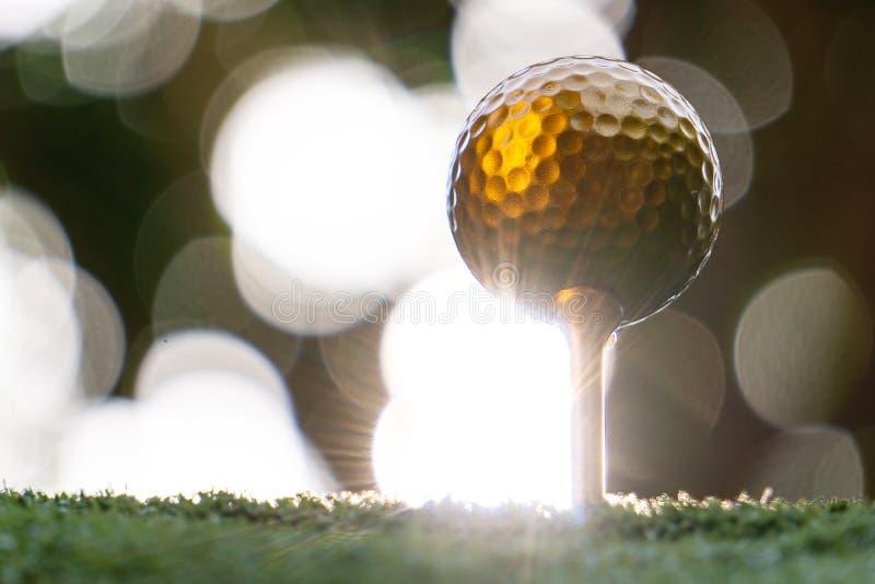 Η χρυσή σφαίρα γκολφ είναι ο παγκόσμιος μεγαλύτερος αθλητισμός στοκ εικόνες