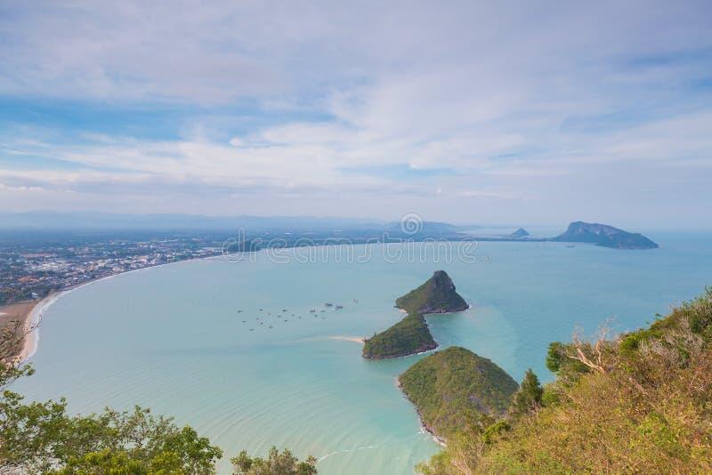 Η όμορφη εναέρια παραλία άποψης έκαμψε το φυσικό τοπίο στοκ φωτογραφίες με δικαίωμα ελεύθερης χρήσης