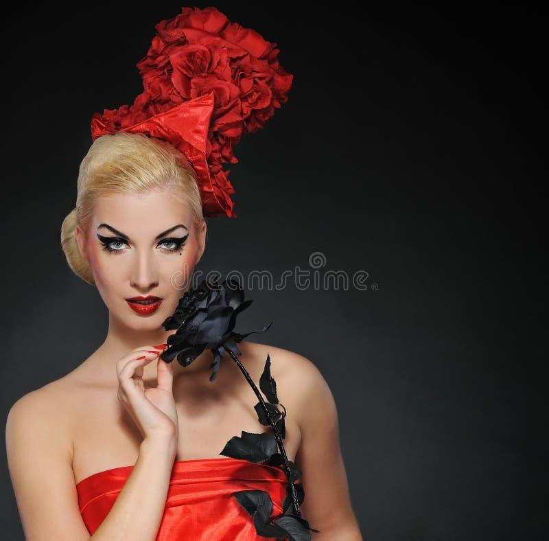 η όμορφη μαύρη κυρία αυξήθηκ στοκ φωτογραφία