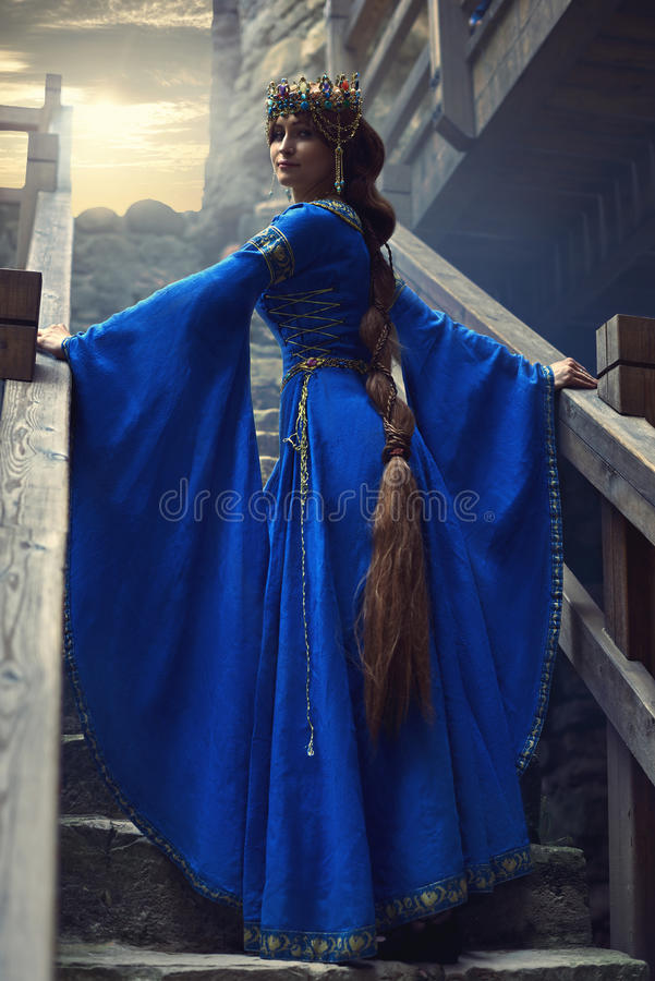 Η όμορφη Eleanor Aquitaine, της δούκισσας και της βασίλισσας της Αγγλίας και της Γαλλίας στους υψηλούς Μεσαίωνες στοκ εικόνα με δικαίωμα ελεύθερης χρήσης