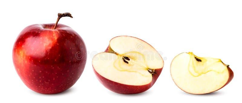 Η ώριμη κόκκινη Apple, μισός και κομμάτι σε ένα λευκό, που απομονώνεται στοκ εικόνες