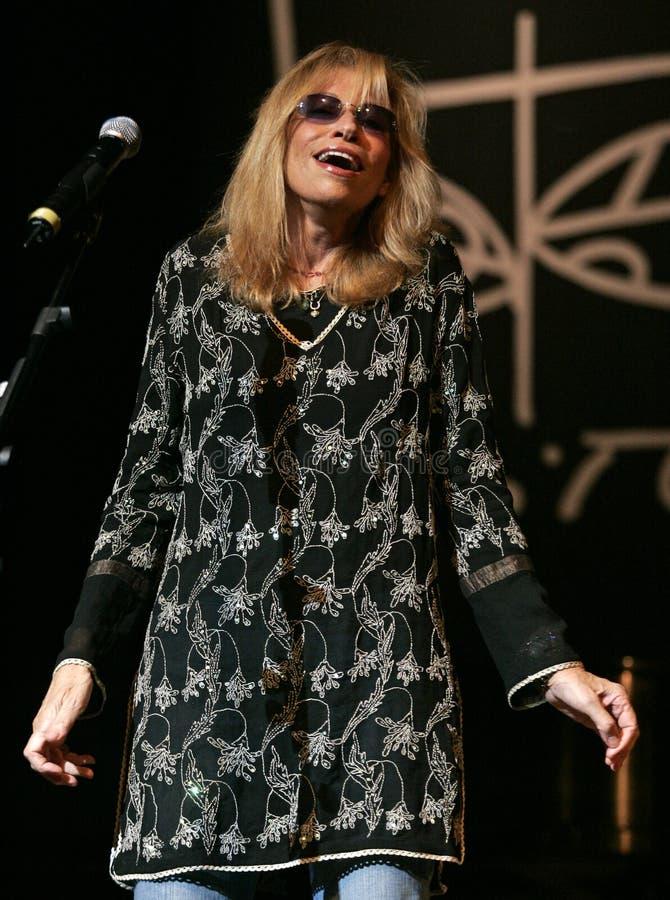 Η Carly Simon αποδίδει στη συναυλία στοκ φωτογραφία με δικαίωμα ελεύθερης χρήσης