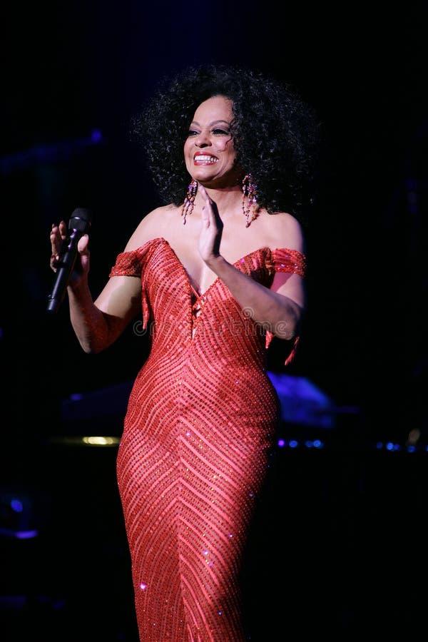 Η Diana Ross αποδίδει στη συναυλία στοκ φωτογραφία με δικαίωμα ελεύθερης χρήσης
