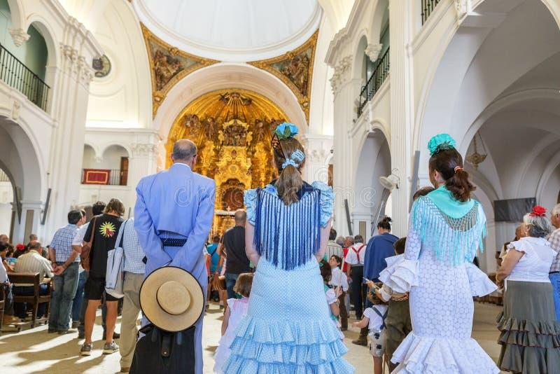 Η EL Rocio, Ισπανία 22 Μαΐου 2015 Ισπανοί προσεύχεται και προετοιμάζεται για την ιερή υπηρεσία της Ανδαλουσίας EL πόλης δύση της  στοκ φωτογραφίες με δικαίωμα ελεύθερης χρήσης