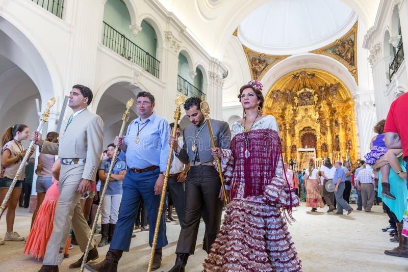 Η EL Rocio, Ισπανία 22 Μαΐου 2015 Ισπανοί προσεύχεται και προετοιμάζεται για την ιερή υπηρεσία της Ανδαλουσίας EL πόλης δύση της  στοκ εικόνα