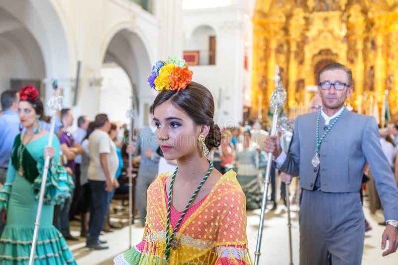 Η EL Rocio, Ισπανία 22 Μαΐου 2015 Ισπανοί προσεύχεται και προετοιμάζεται για την ιερή υπηρεσία της Ανδαλουσίας EL πόλης δύση της  στοκ φωτογραφία