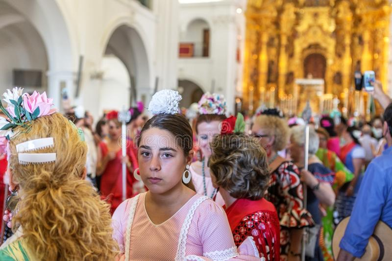 Η EL Rocio, Ισπανία 22 Μαΐου 2015 Ισπανοί προσεύχεται και προετοιμάζεται για την ιερή υπηρεσία της Ανδαλουσίας EL πόλης δύση της  στοκ εικόνες