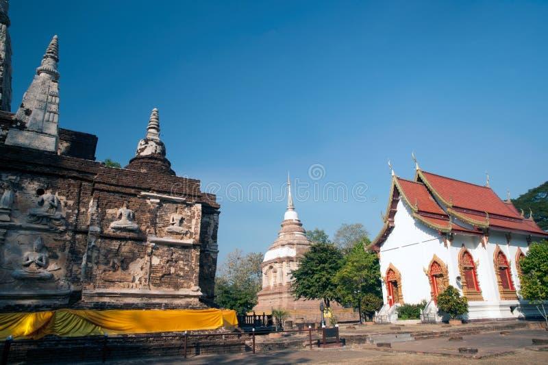 Η Maha Chedi και Tilokarat Chedi του ναού Wat Jhet Yot σε Chiang Mai, Ταϊλάνδη στοκ φωτογραφίες με δικαίωμα ελεύθερης χρήσης